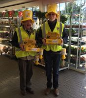 Honiton Lions Collecting for Marie Curie