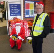 Lion Tom with Santa at Tesco Honiton 22 Dec